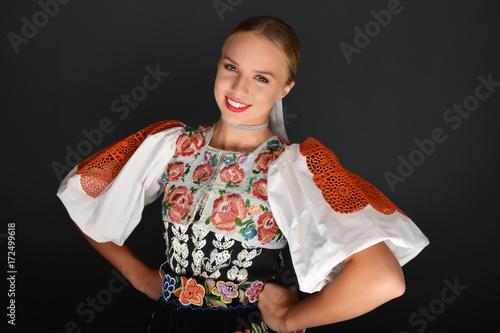 Fotografia slovakian folklore woman
