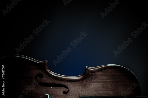 Violin musical instruments of orchestra closeup on black Fototapet