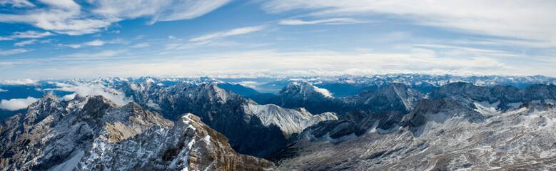 Alpy, Panorama z Zugspitze
