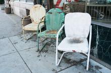 Vintage Lawn Chairs Displayed ...