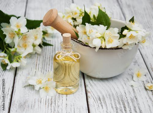 Massage oil with jasmine flowers фототапет