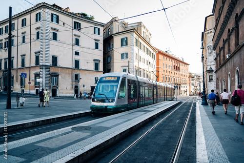 Plakat Tramwaj na ulicy w Rzymie