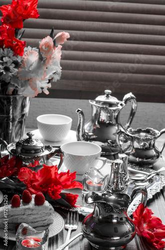 serwis-do-herbaty-i-czerwone-k