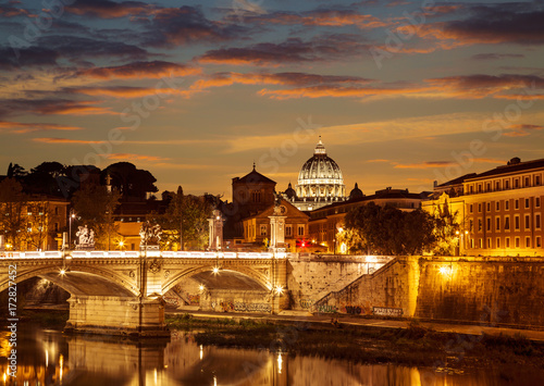 the-night-view-of-rome-from-the