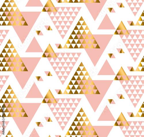 wzor-trojkata-geometrii-zlota-stylizowane-ilustracji-wektorowych-art-nouveau-bez-szwu-zdobiony-wzor-w-kolorze-zoltym-i-rozowym