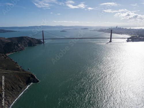 Plakat Golden Gate Bridge na słonecznym dniu