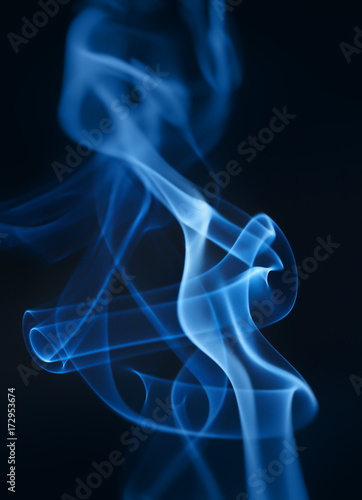 Fototapeta Dymny zbliżenie na czarnym tle. Zdjęcie makro.