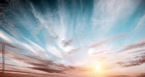panorama-nieba-lato-wschod