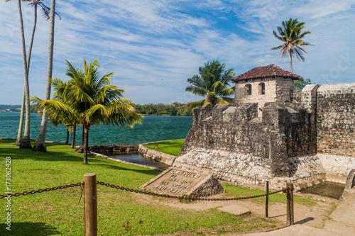 Plakat Castillo de San Felipe, hiszpański fort kolonialny przy wejściu do jeziora Izabal we wschodniej Gwatemali