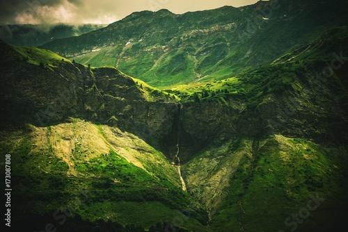 Alpine Waterfall Scenery Fototapet