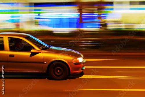 Staande foto New York TAXI car in night city traffic