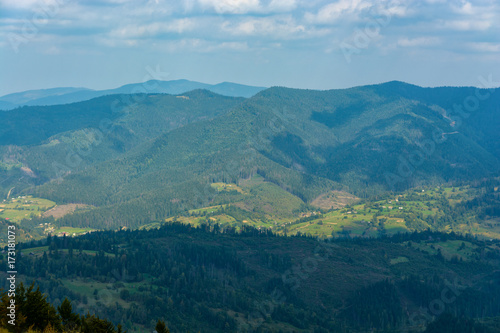 Poster Lieu connus d Asie Panorama of mountains covered with green forests