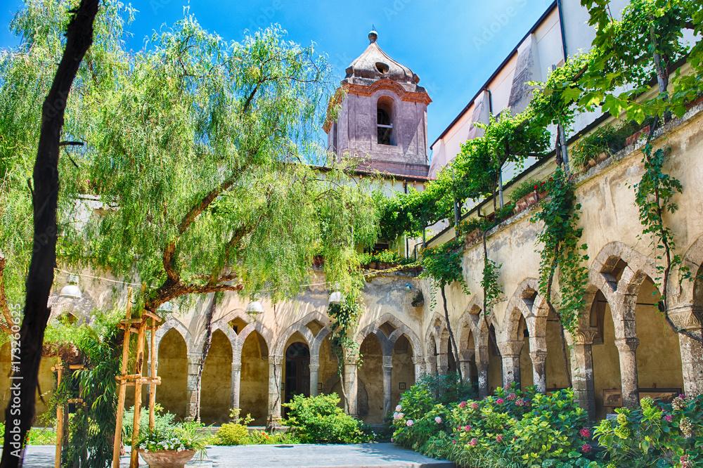 Fototapety, obrazy: The scenic cloister of San Francesco d'Assisi Church in Sorrento, Italy