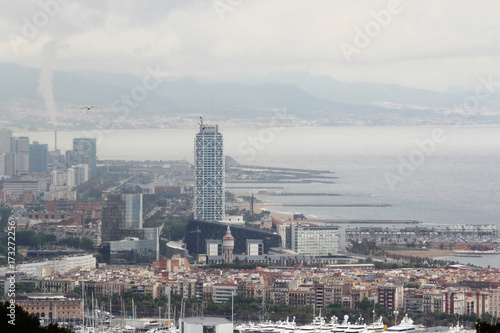 Plakat Widok z Barcelony z fortu Montjuic