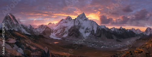 Canvas Print Mount Everest Range at sunrise