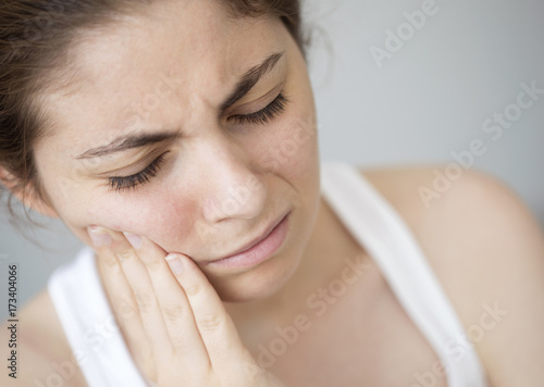 Fotografia  Young woman with toothache