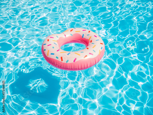 Fotografía Inflatable Donut float in a swimming pool