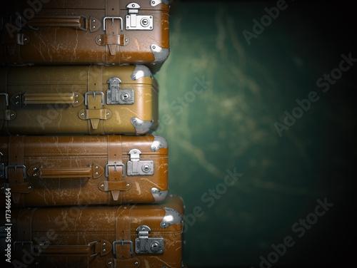 Foto op Plexiglas Retro Vintage suitcases on the grunge background. Turism travel concept.