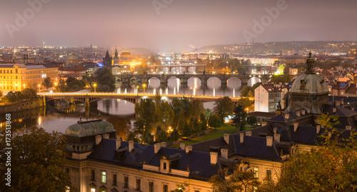 Plakat Widok Pragi w nocy