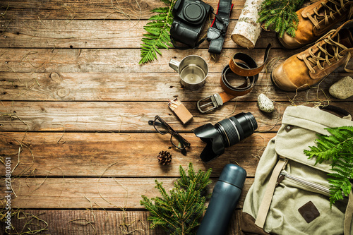 Montage in der Fensternische Camping Camping or adventure trip scenery concept (flat lay)