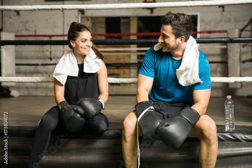Plakat Mężczyzna i kobieta w boksie