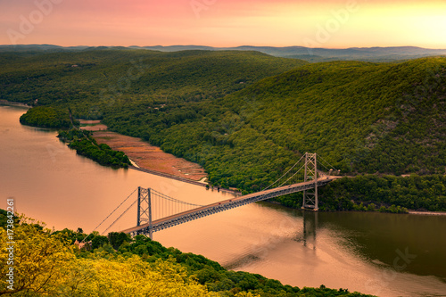 Fotografie, Tablou  Aerial view of Bear Mountain Bridge at sunrise
