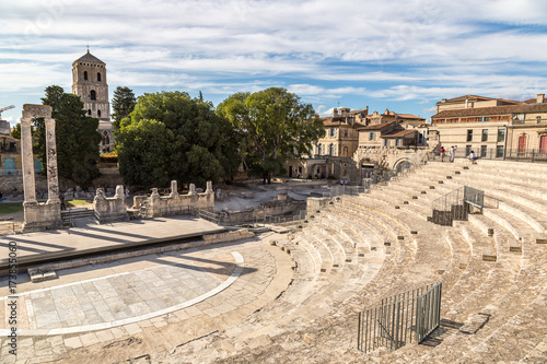Photo Roman amphitheatre in Arles, France