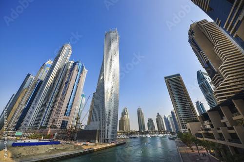 tall-dubai-marina-skyscrapers-in-uae