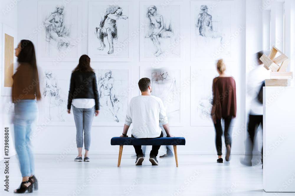 Fototapety, obrazy: Man in art center
