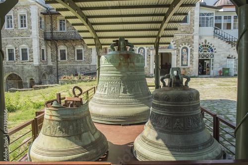 Fotografie, Obraz  Defekte Kirchenglocken im griechisch-orthodoxen Kloster St