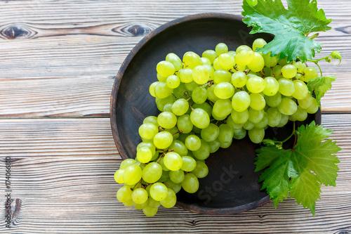 Bunch of ripe white grapes. Fototapet
