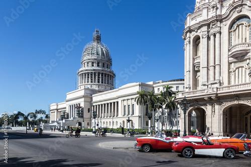 Poster Havana Havana, Cuba; the Capitol, symbol of the political power