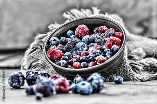 Obraz frozen berries health food - fototapety do salonu