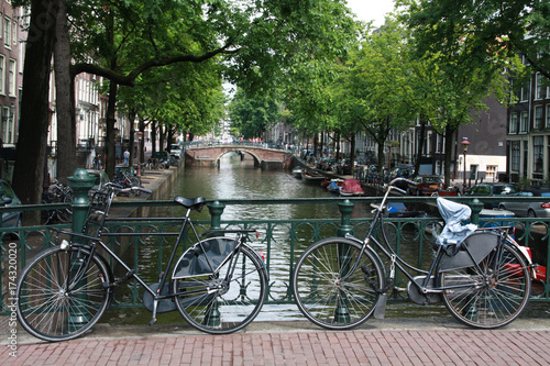 Fototapety, obrazy: bycicles on a bridge in Amsterdam