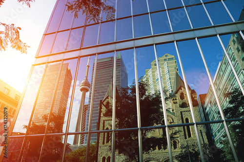 Foto auf Gartenposter Toronto Toronto downtown buildings at sunset