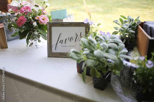 Photo Flowers as Wedding Favors and Decor