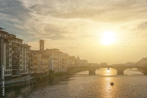 Plakat Florencja i rzeki Arno o zachodzie słońca