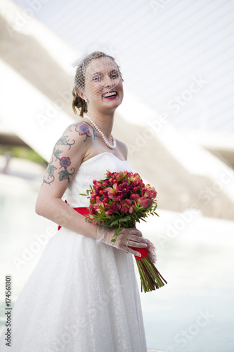 Fotografie, Obraz  Novia con tatuaje