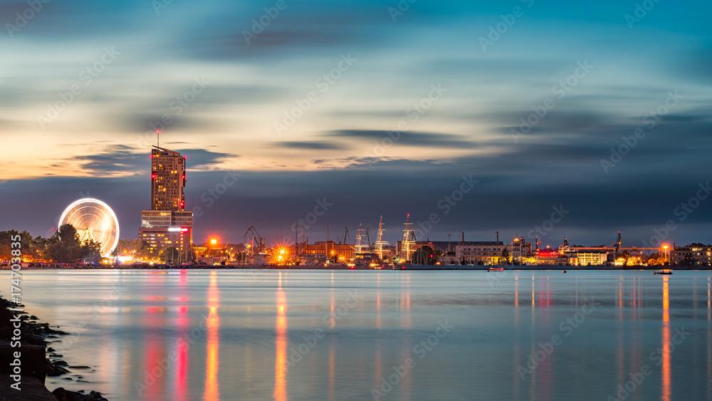 Nocna panorama Gdyni
