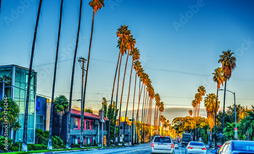 Keuken foto achterwand Los Angeles Colorful dusk on Sunset boulevard