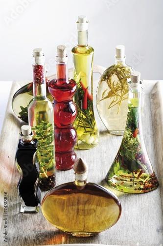 Oil and vinegar varieties with herbs