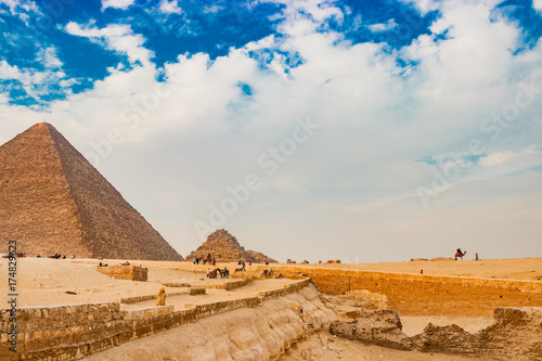 Photo Stands Egypt The pyramid in Cairo, Egypt