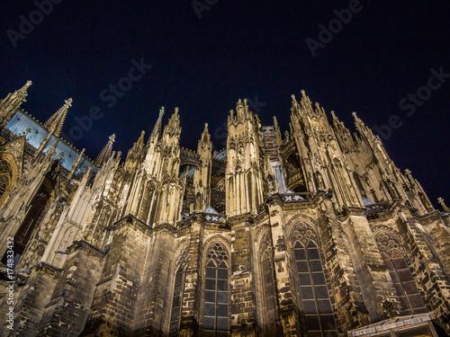 Fototapeta Nocny widok katedry w Kolonii, pomnik katolicyzmu niemieckiego i architektury gotyckiej w Kolonii, Niemcy.