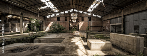 Photo Stands Old abandoned buildings Abandoned factory panorama, central perspective