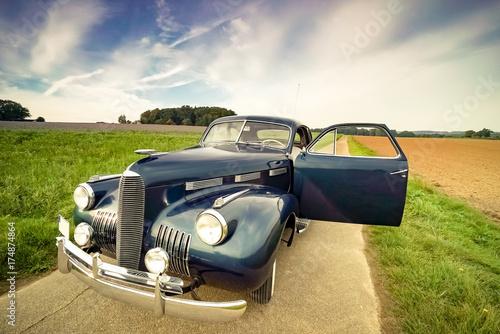 Photographie Oldtimer Cadillac Lasalle Coupe - Frontansicht, geöffnete Fahrertür