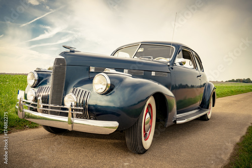 Canvas Print Oldtimer Cadillac Lasalle Coupe 1940, Frontansicht