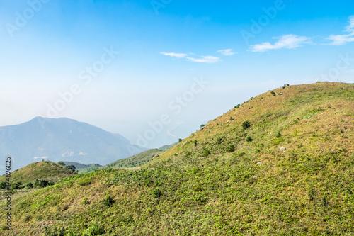 Plakat Widok z kolejki linowej przez szczyt góry i morze, widok naturalny krajobraz
