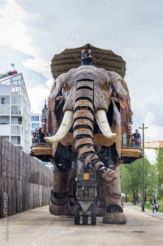 Photo sur Toile Lieu d Europe Nantes, France - May 3, 2017: The Great Elephant is part of the Machines of the Isle of Nantes carrying passengers in city square in Nantes, France