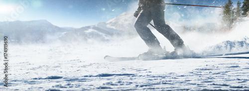 Fotografija Ski-Abfahrt in den Bergen