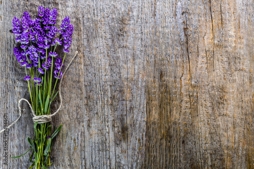 Lavender flowers, bouquet on rustic wooden background, top view Canvas-taulu